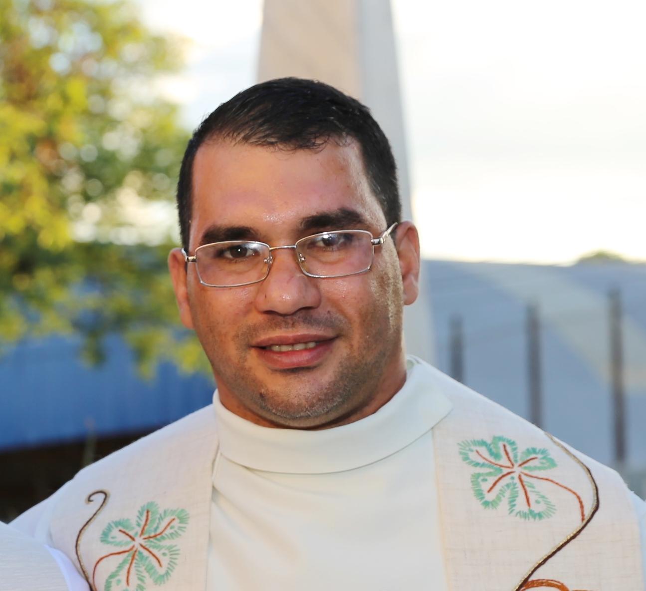 Pe. Josias Romero