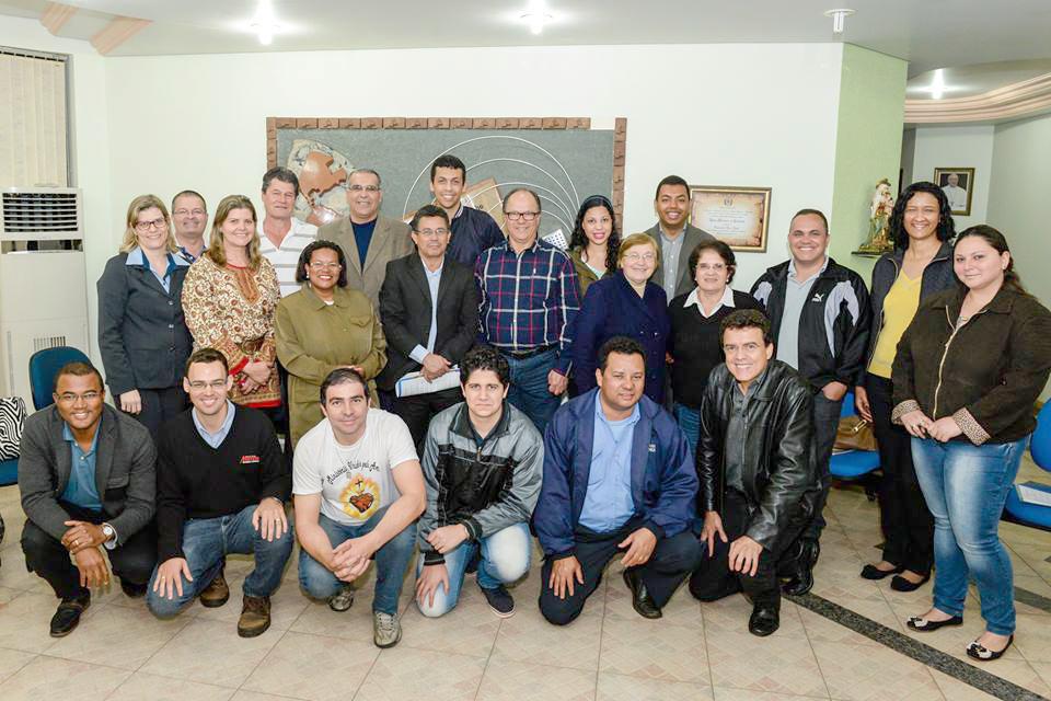 COMUNICADORES VOLUNTARIOS DA RADIO ALVORADA.jpg G