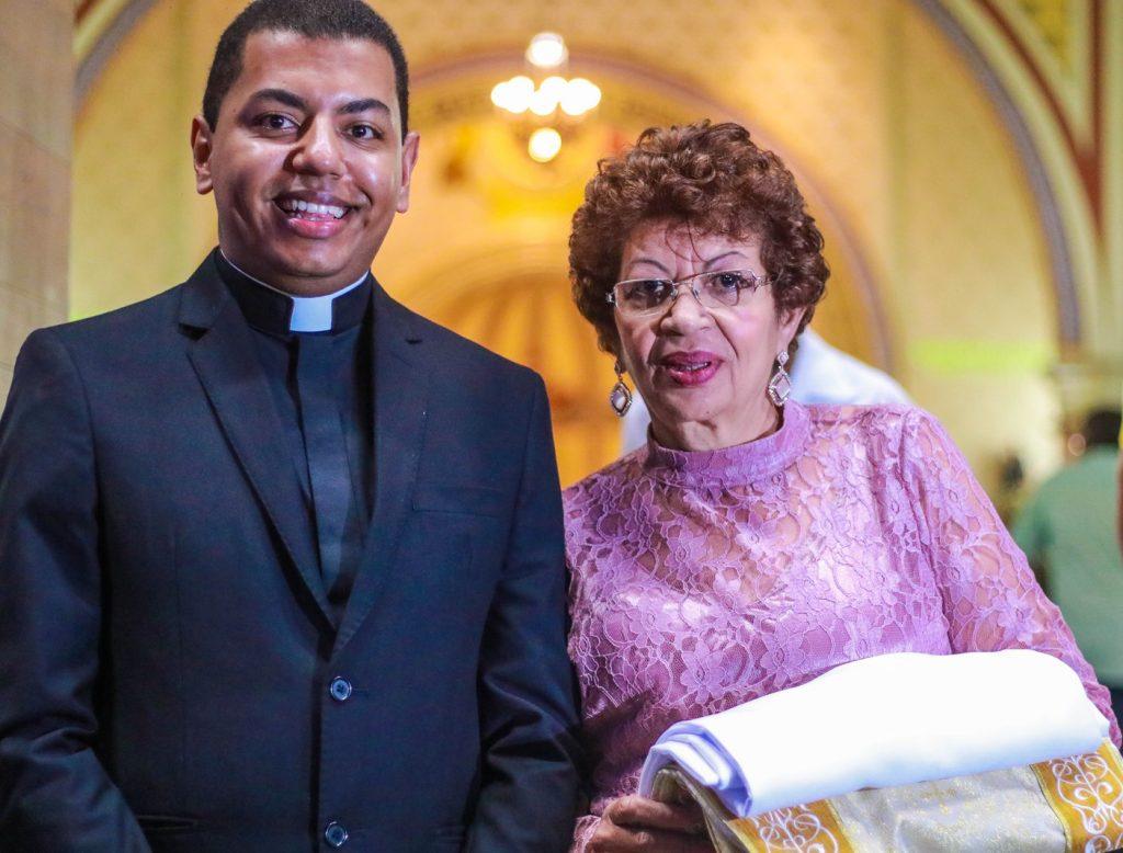 Diácono Dirceu com sua mãe Iracema da Luz dos Reis