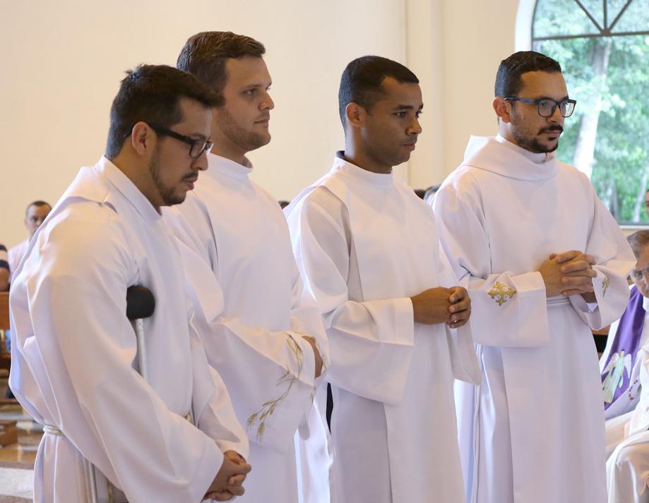 Seminaristas Alex, Renato, Juniar e Paulo.