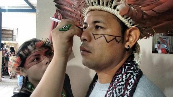 Indígenas brasileiros se preparam para encontrar Francisco.